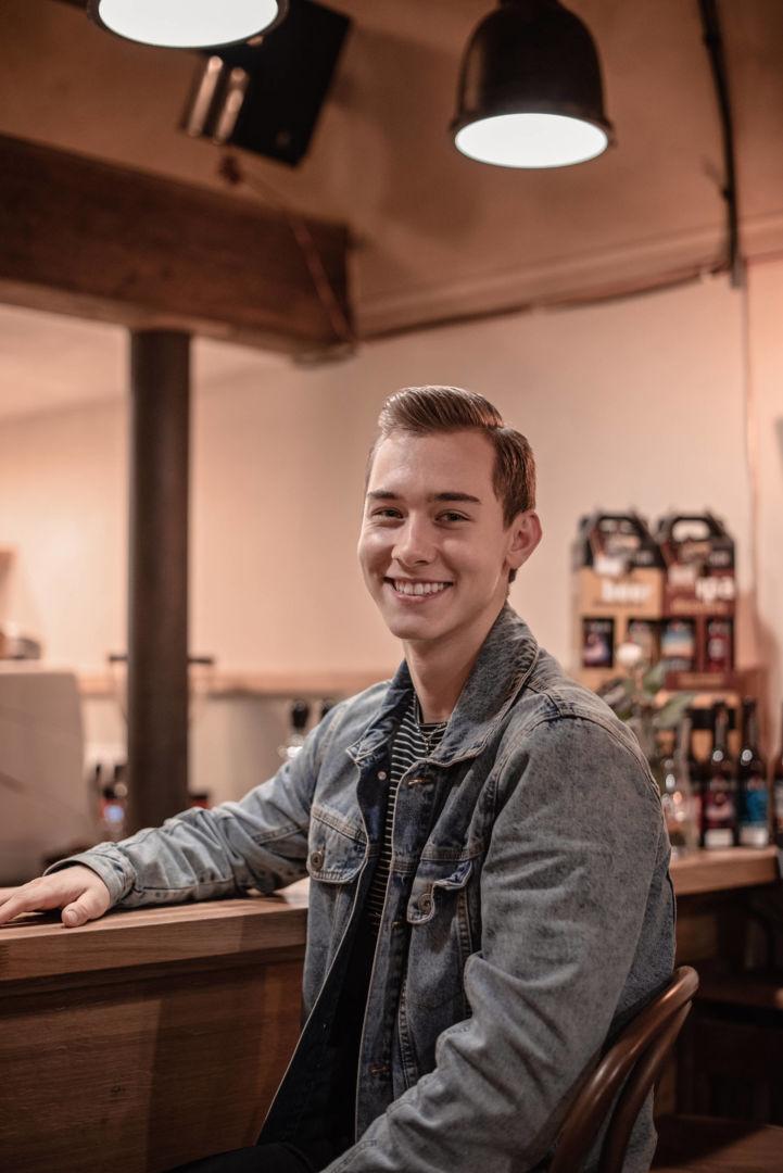 Martin, barman